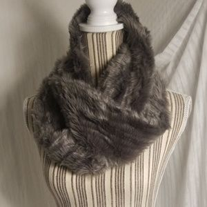 🔴2 For $10🔴 Silver-Gray Faux Fur Infinity Scarf